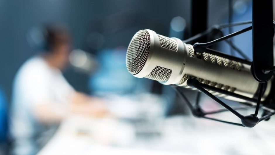 Best Microphone and Webcam to Use For a Webinar Software